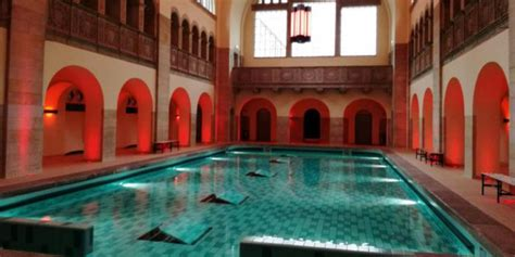Alle Top10 Locations aus: schwimmbad | top10berlin