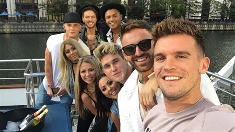 Gaz Beadle with Geordie Shore cast on Snapchat   October 3