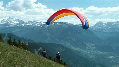 The Intouchables Paragliding - YouTube