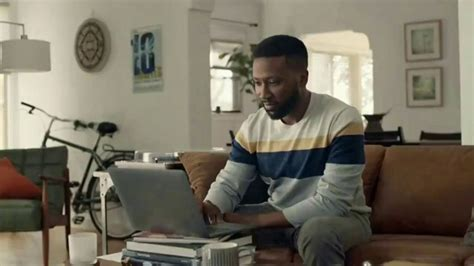 Honey TV Commercial, 'Save Money Like an MVP' Featuring