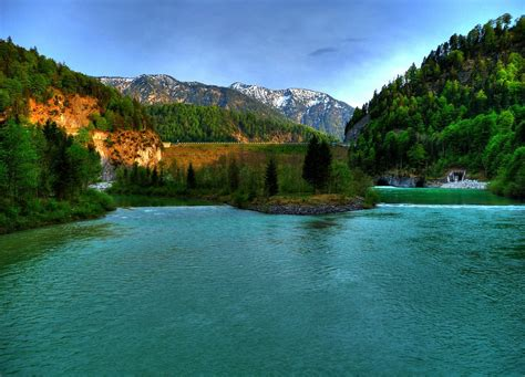 Sylvenstein Dam & Isar | River Isar fed by Lake
